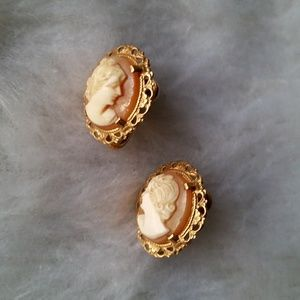 Vintage Gold Cameo Screw-back Earrings